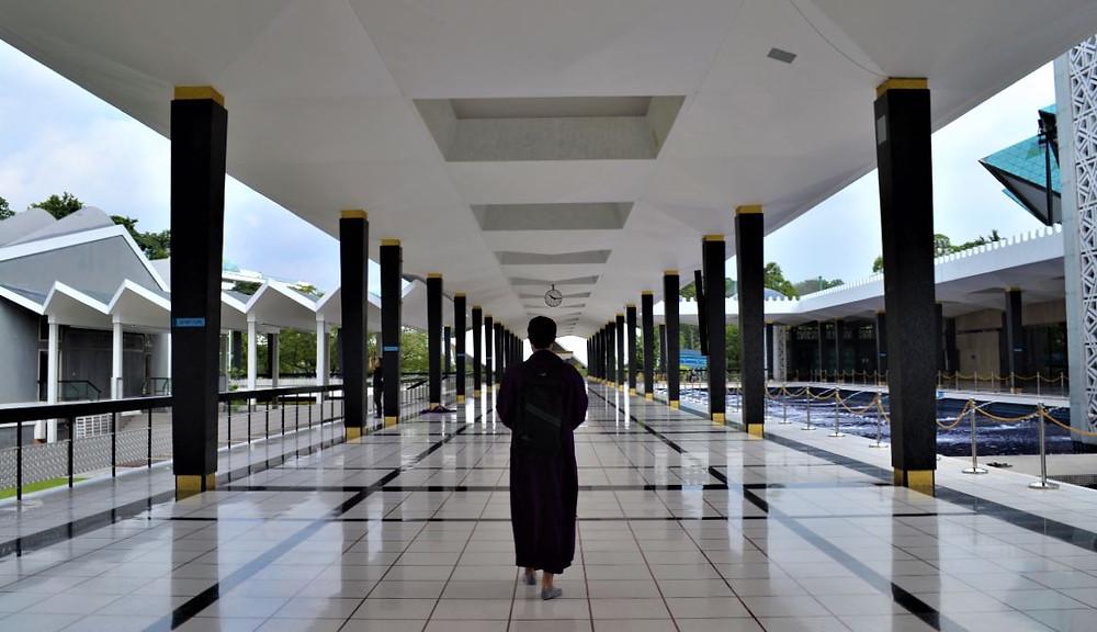 La Mezquita Nacional destaca por su luminosidad