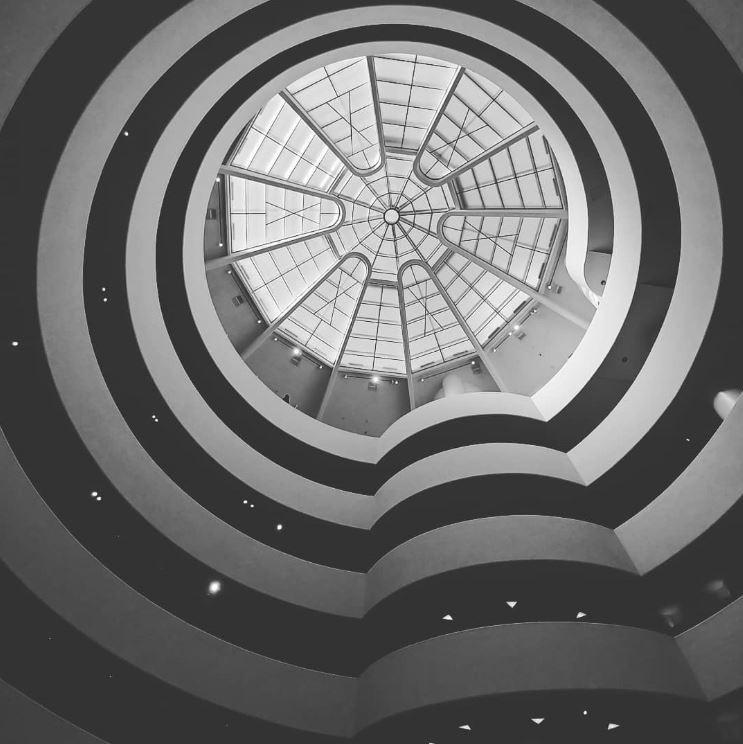 El Guggenheim es un precioso museo, especialmente por dentro
