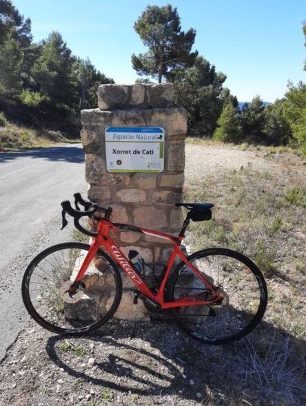 Para los amantes del ciclismo, la zona está llena de preciosas y exigentes rutas