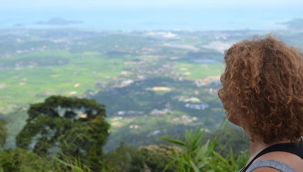 Las vistas desde lo alto del Gunung Raya