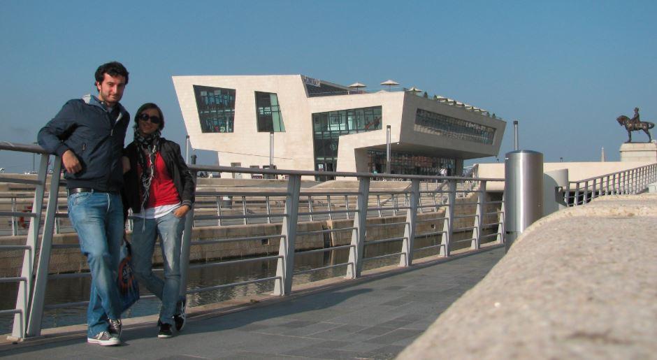 Liverpool nos pareció una ciudad de contrastes entre los edificios modernos y los clásicos portuarios e industriales