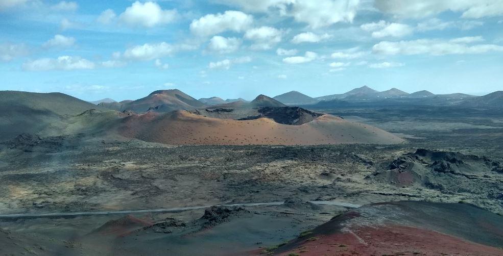 El paisaje del Parque Nacional de Timanfaya es un desierto de lava