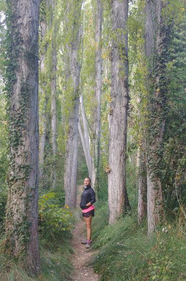 Nos encantó la ruta por el sendero junto al río Bohilgues