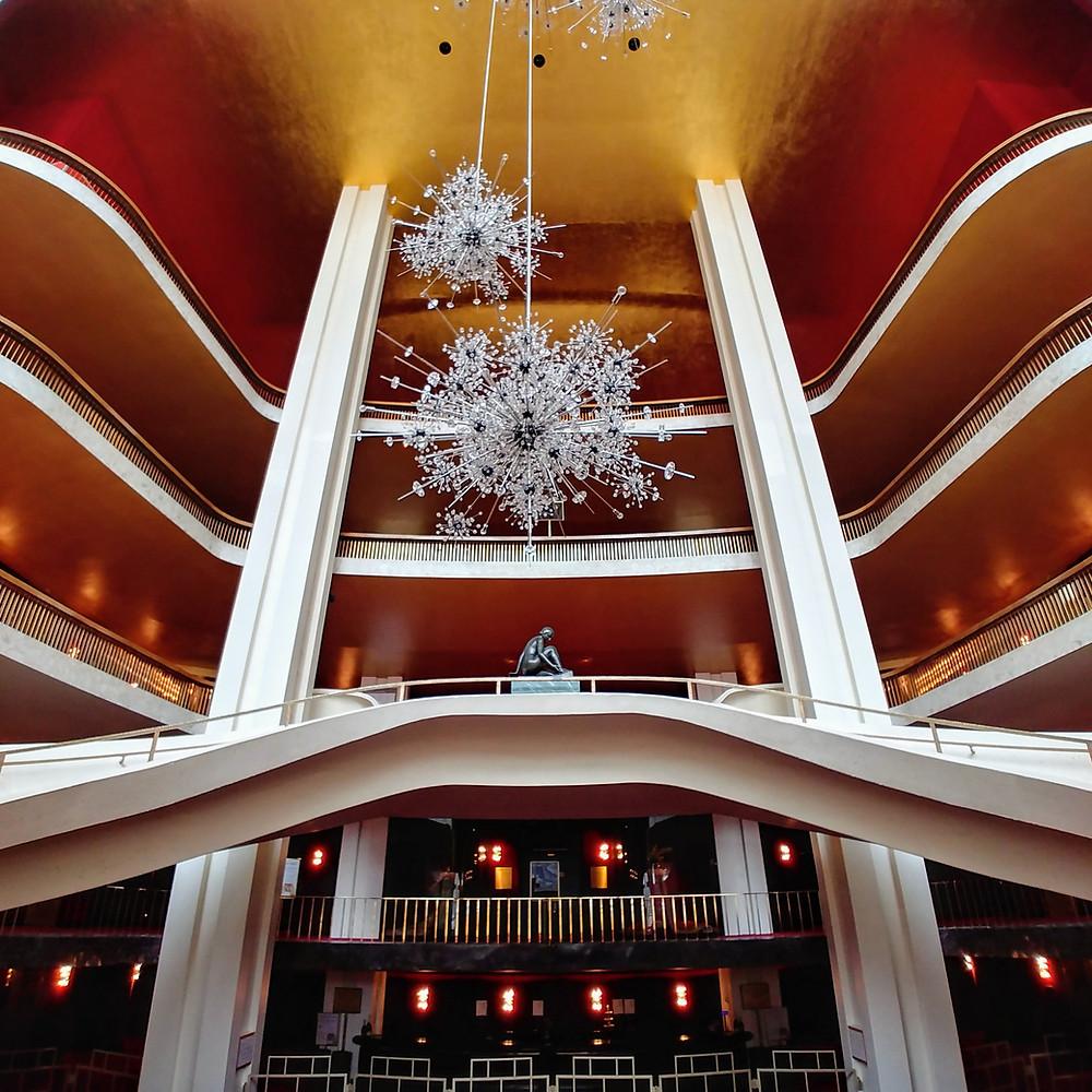 El espectacular interior de la Ópera