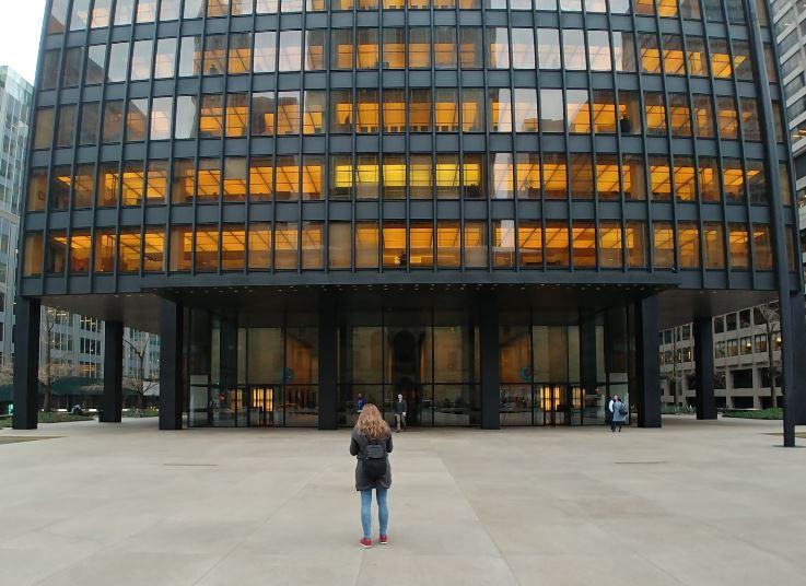 Otra vez nos encontramos con Mies van der Rohe en el Seagram Building