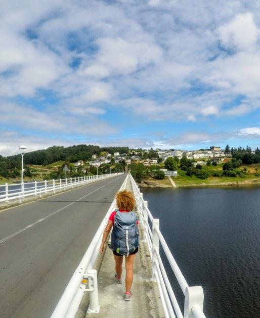 La llegada a Portomarín es uno de los momentos más emocionantes del Camino