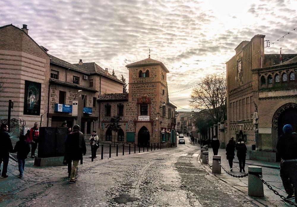 Pasear por las calles de Toledo es una delicia