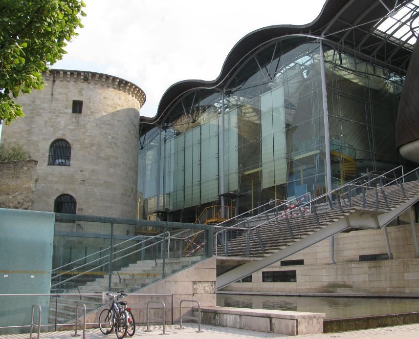En Burdeos también hubo espacio para visitar edificios de arquitectura moderna