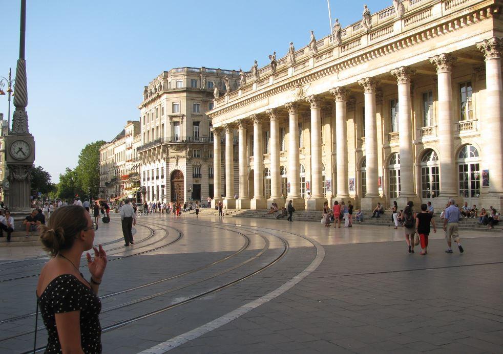 La arquitectura neoclásica del Gran Teatro de Burdeos nos dejó impresionados