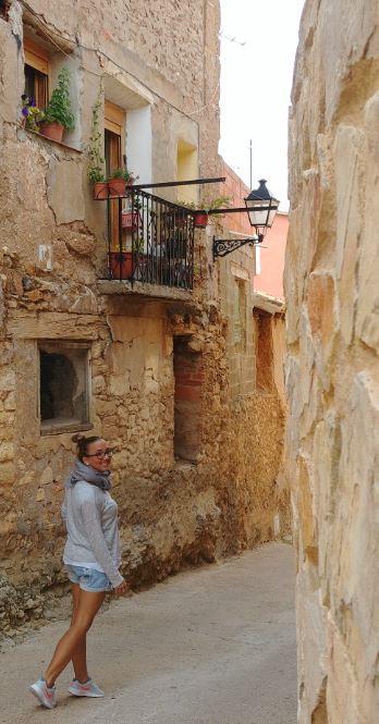 En pueblos como Castielfabib disfrutamos de preciosos callejones