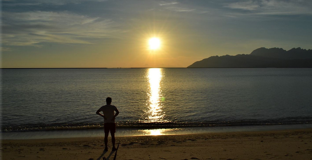 La puesta de sol que vimos en Pantai Kuala Muda fue también maravillosa