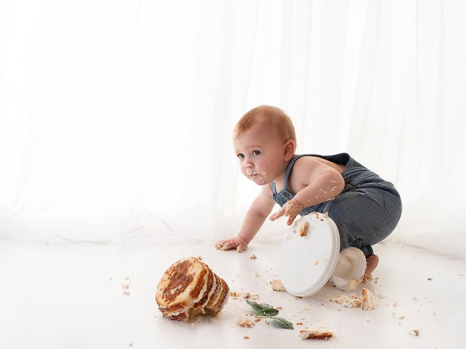 Baby boy 1st birthday naural white cake smash near guildford hampshire