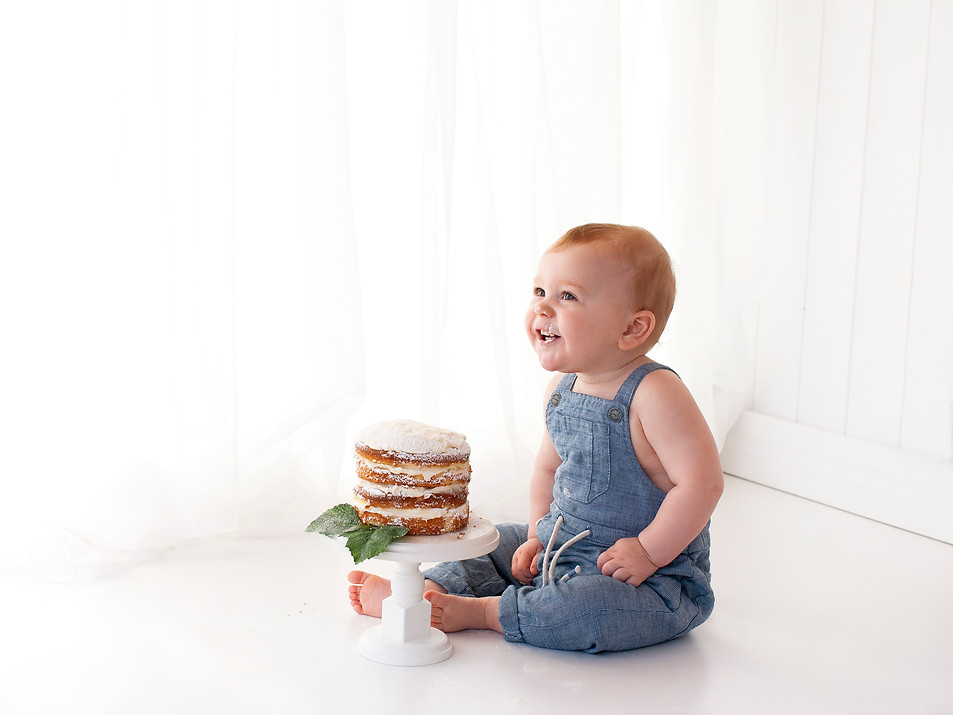 1st birthday simple white studio photos pictures