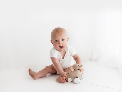 Natural Baby Photos In White Studio - Photography Photoshoot Aldershot Hampshire Farnborough