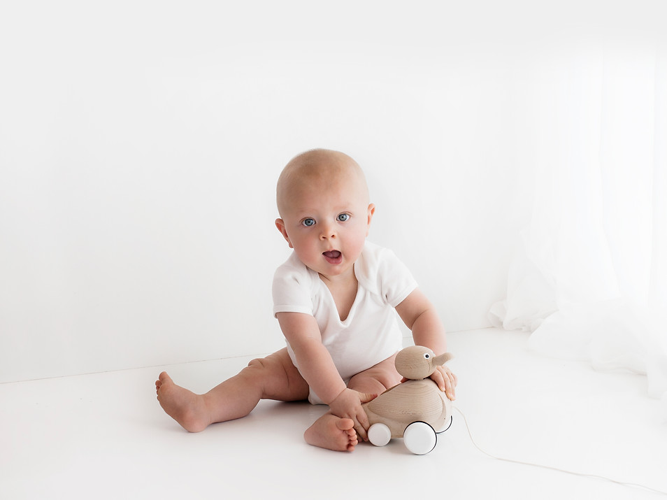 Natural Baby Photos In White Studio - Photography Photoshoot Aldershot Hampshire Farnborough