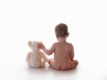 aldershot hampshire baby photo shoot white studio Farnborough