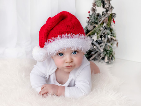 2019 Baby Christmas Photo Shoots For Your Cards -