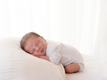 Natural Newborn Baby Photos In White Studio - Photography Photoshoot Aldershot Hampshire - Pictures