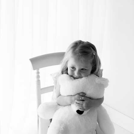 Daughter sibling family photos annie allen photography