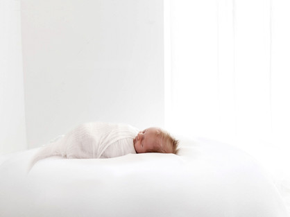 newborn baby photos by a photographer in aldershot hampshire - near me