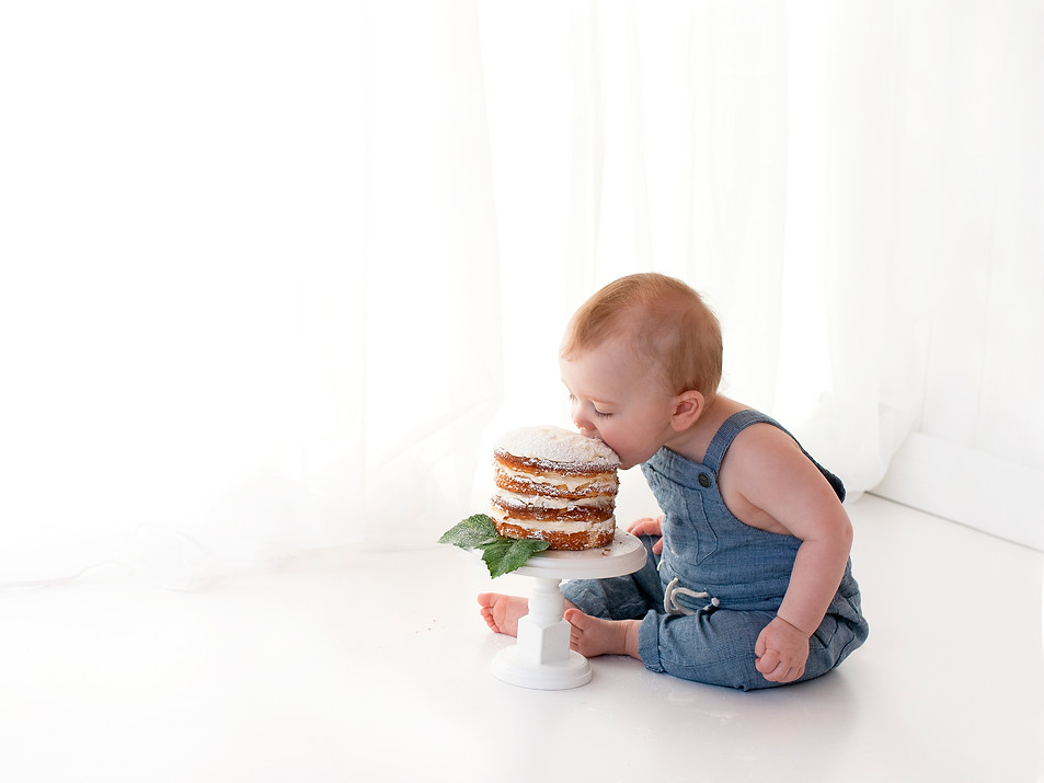 Baby boy natural simple cake smash - fleet farnham farnborough area