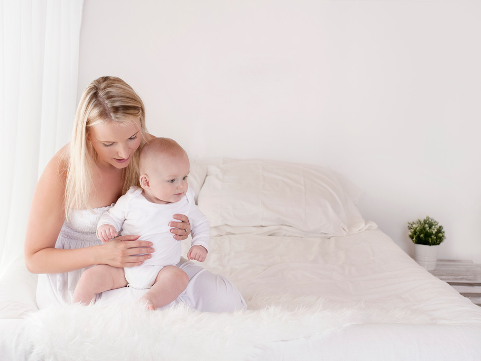 Mum & Baby / Family Photos- Photography Photoshoot Aldershot Hampshire