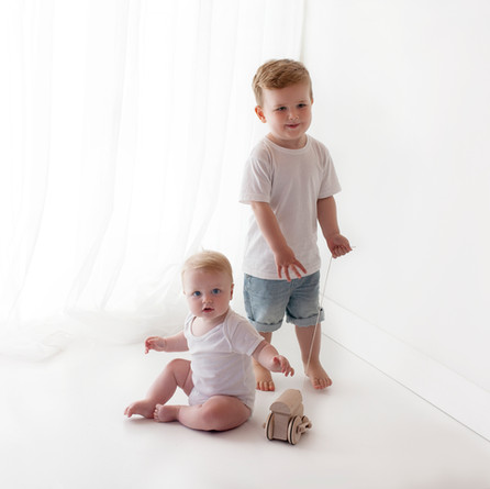 boy brothers siblings baby natural photographer photoshoot near me guildford surrey
