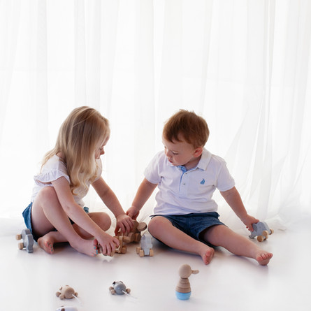 brother and sister sibling family photos profesional images