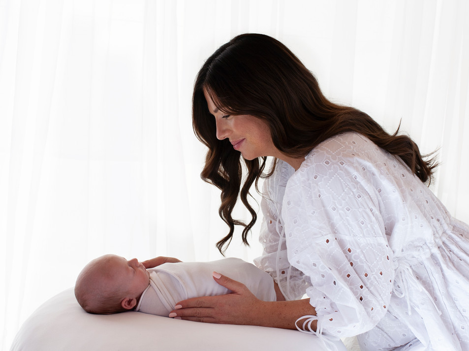 newborn and parent special photos baby photographer studio aldershot hampshire
