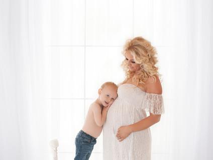 Natural Maternity & Child / Sibling Photos - Photography Aldershot Hampshire
