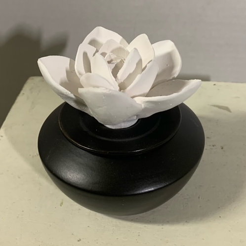 Airome' Porcelain Essential Oil Diffuser