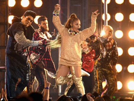 Janet Jackson receives Icon Award from #BIllboard !!
