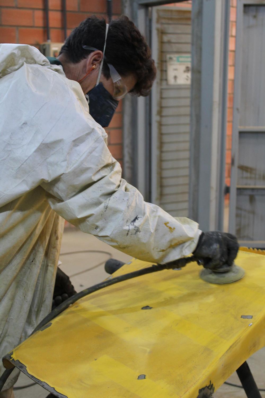 Lixamento para preparação de pintura