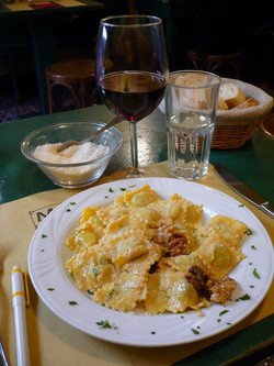 Ravioli con Noci, Bologna