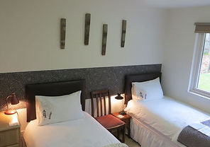Bluebell Twin en-suite room Warm Comfortable B&B