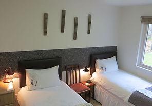 Bluebell Twin en-suite room Warm Comfortable B&B