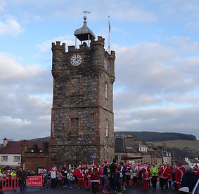 Santa Run in Dufftown. Tower