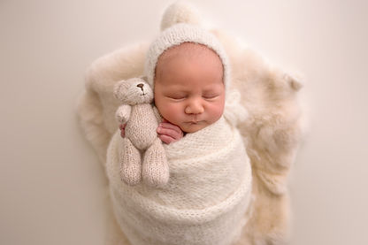 newborn-babyboy-houston-luneberryfur.jpg