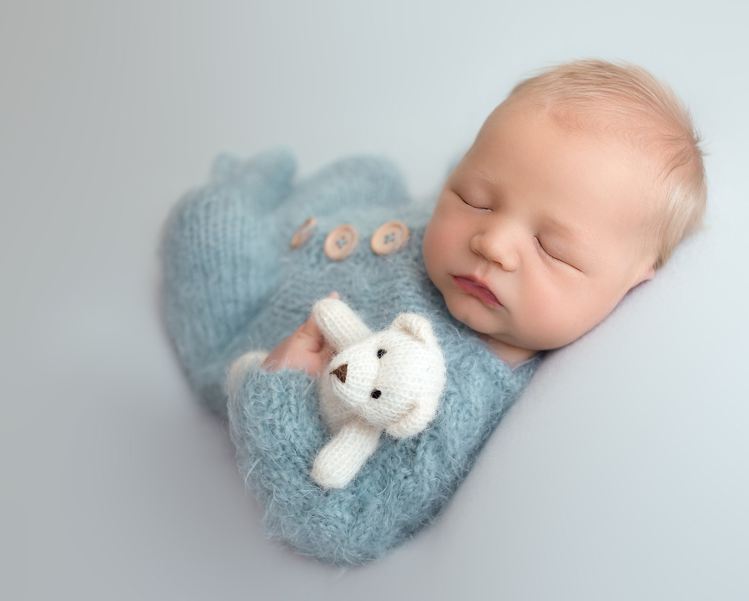 newborn BABY photographer in the woodlands