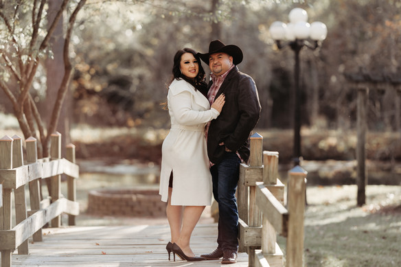engagement photographer the woodlands. couples photographer the woodlands