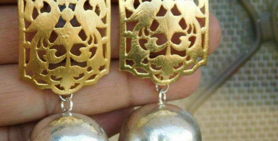 Dual tone oxidise earrings