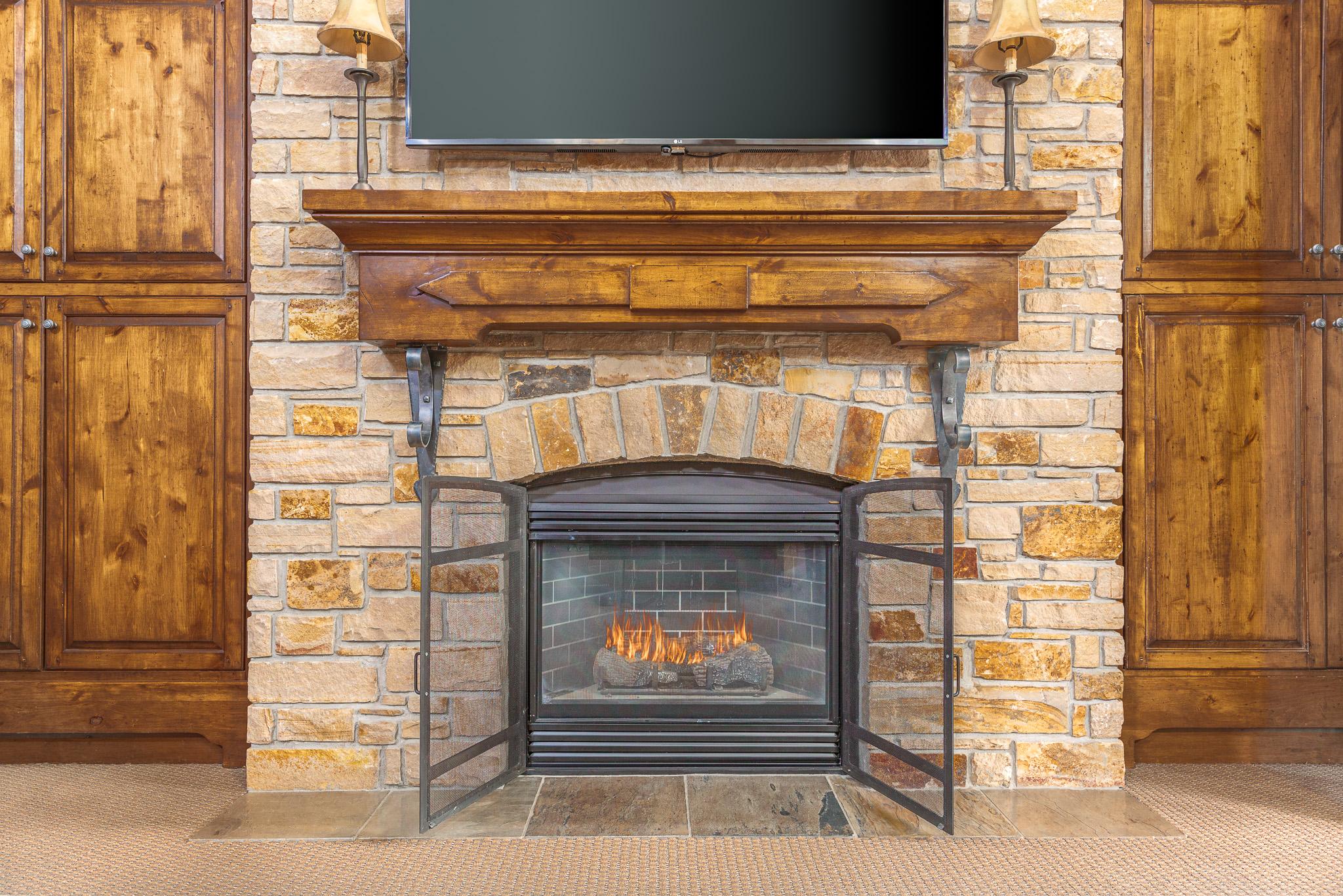 AK_SLCAK_fireplace