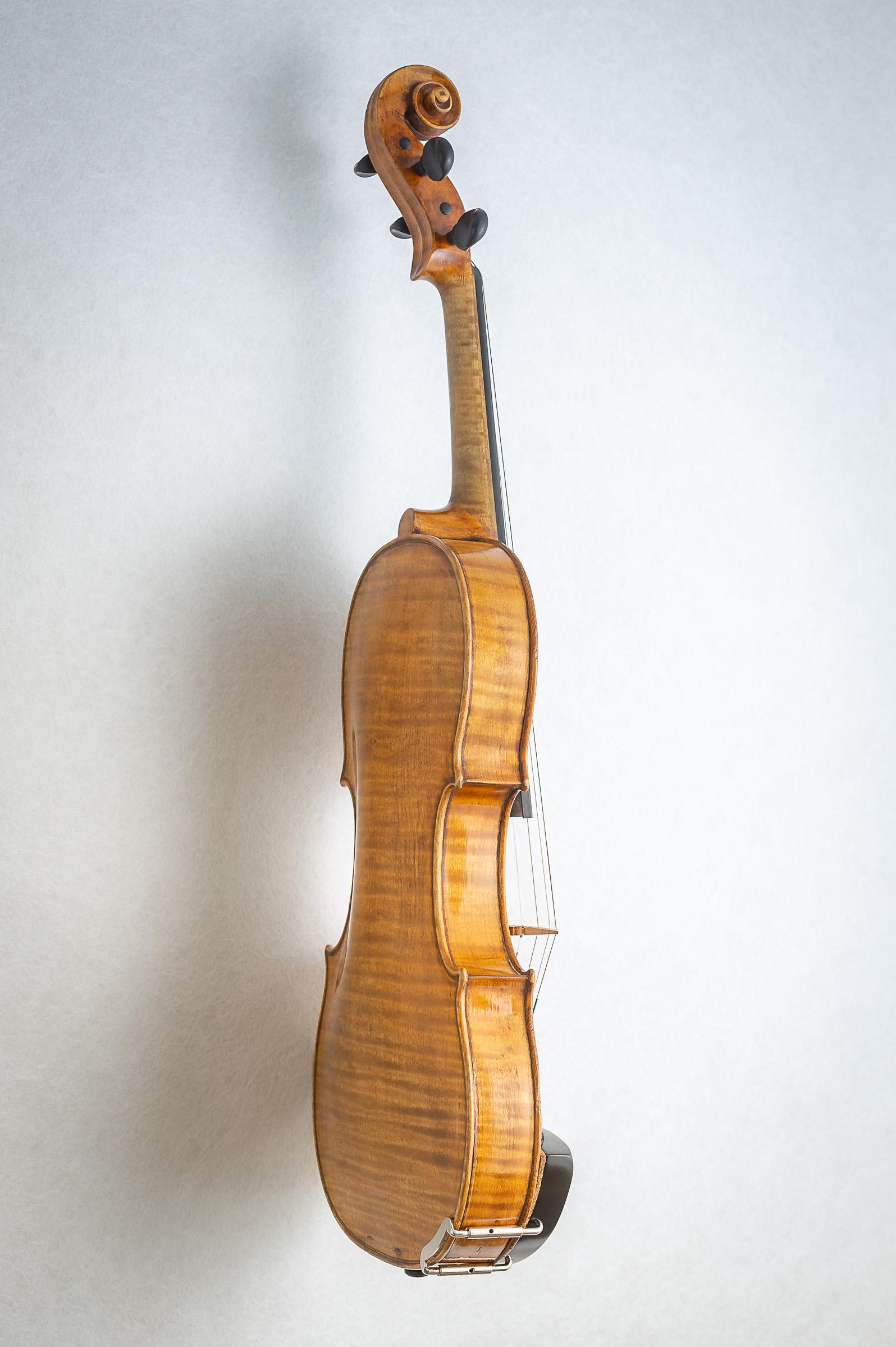 Violin017