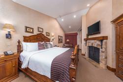 AK_SLCAK_penthouse_bedroom1