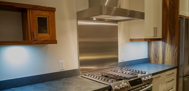 kitchen%20medium%20wide_edited.jpg