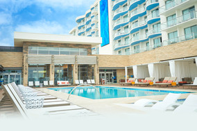 Gallery-Pasea-Resort_5-Pool.jpg