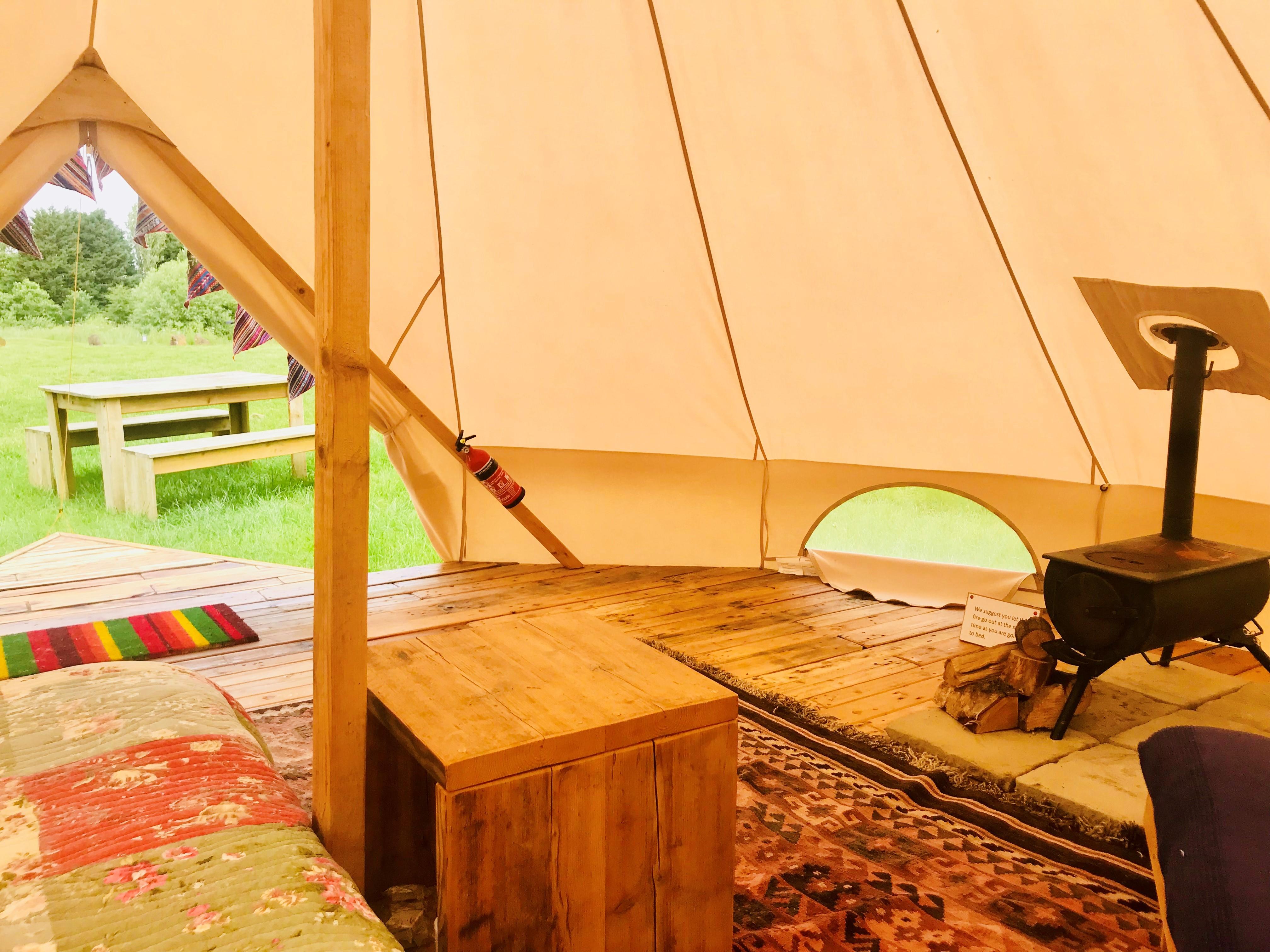Bell tent burner