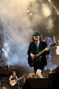 Angus Young- AC DC