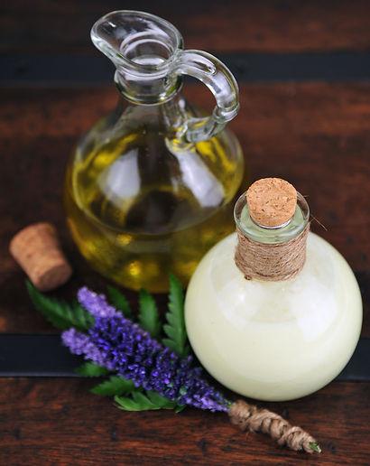6005 Oil & Cream.jpg