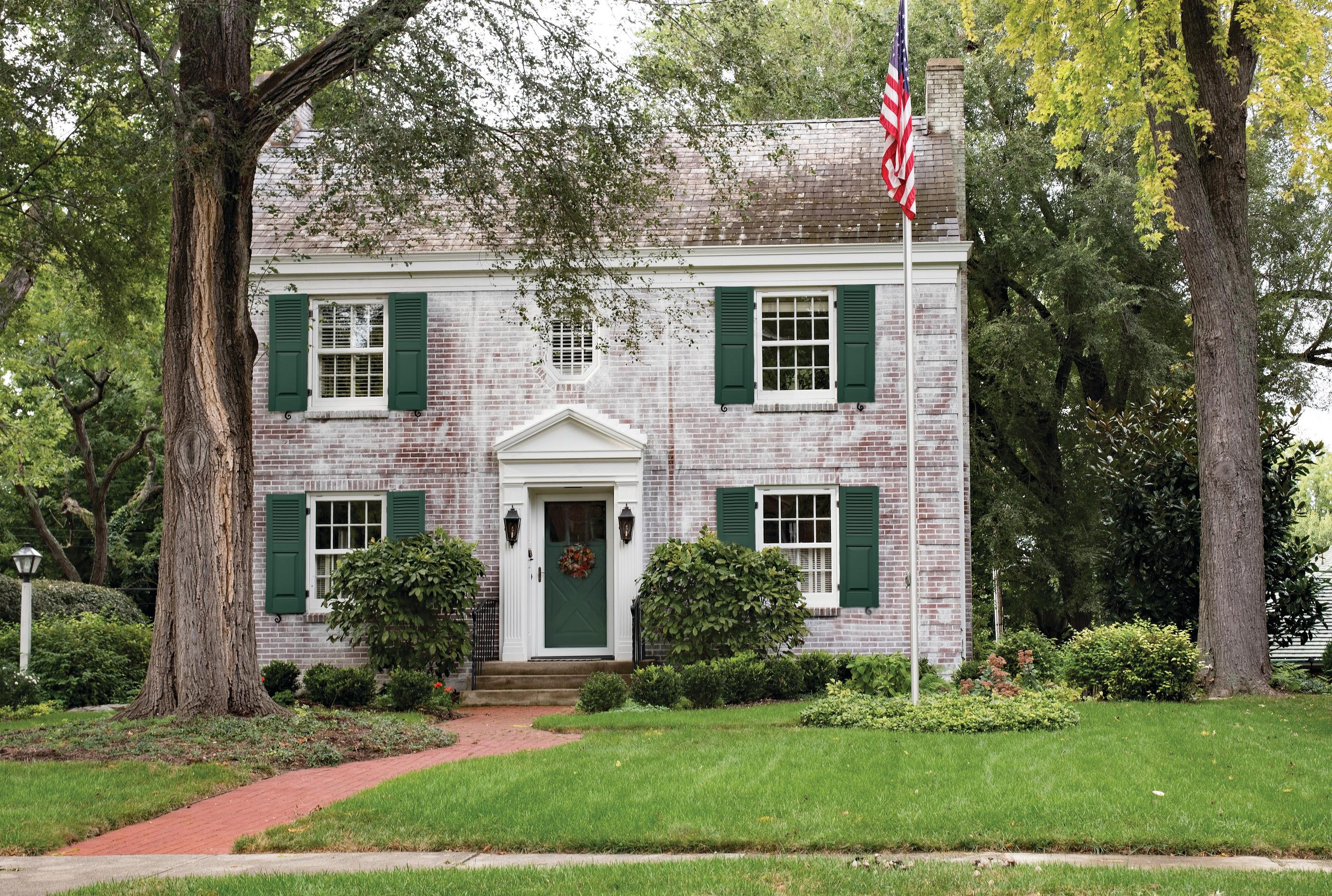 bigstock-White-Brick-Georgian-Colonial--